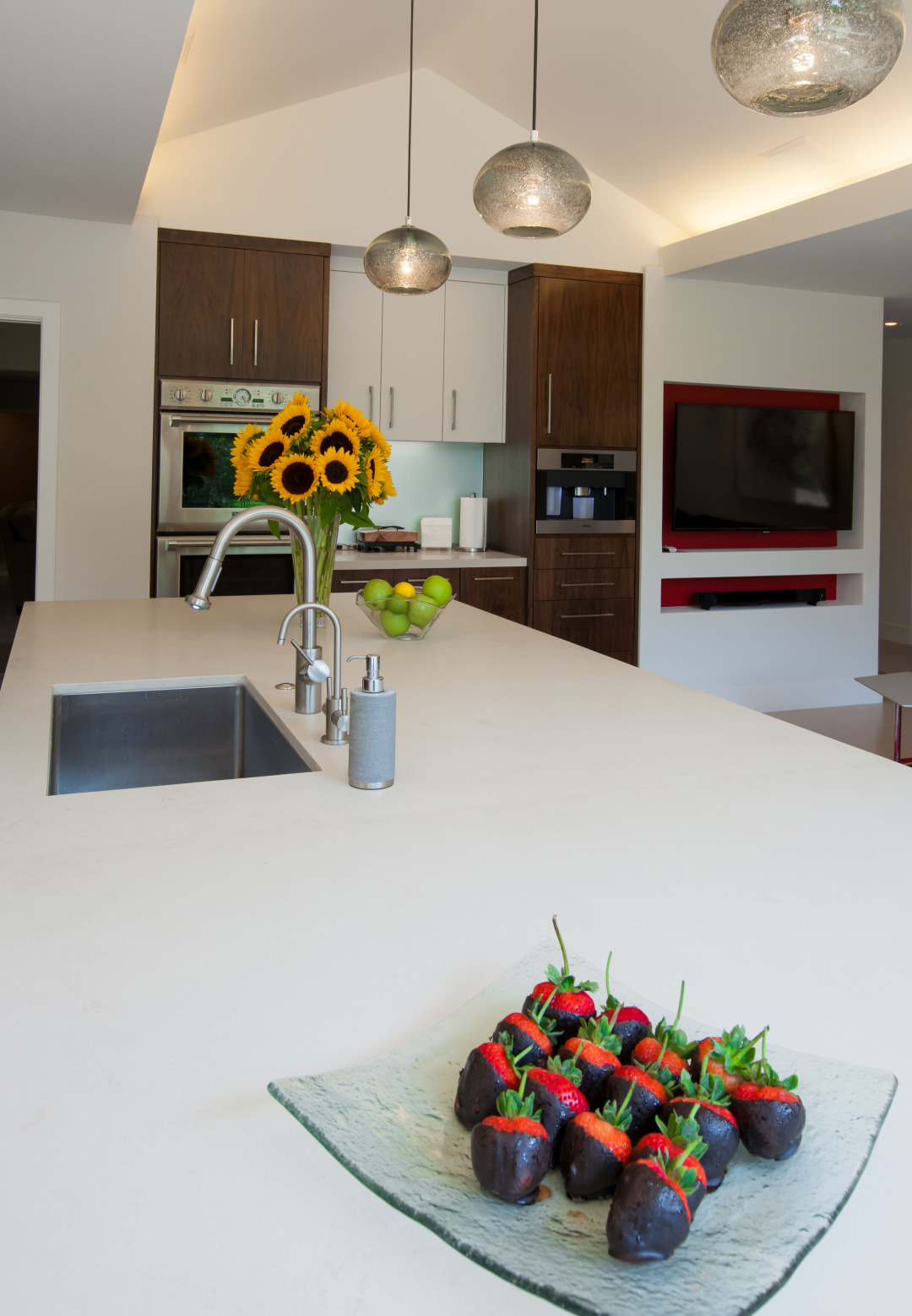 HOLLOW-WAY–Kitchen-Counter